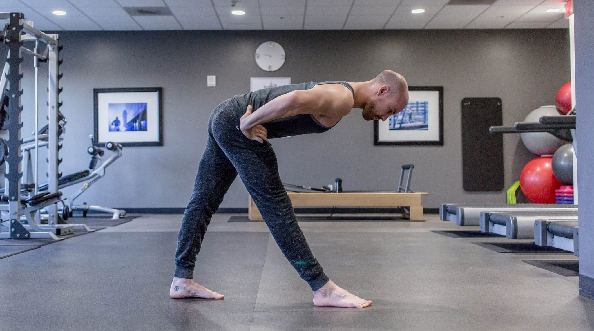 The badass guide to yoga for men beyogi pyramid pose fandeluxe Images